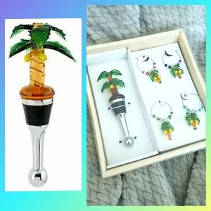 Palm tree glass wine stopper and charm set